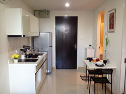apartment for rent near The Room Sukhumvit 64