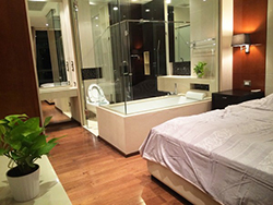 The Address Sukhumvit 28 - modern <strong>Phrom Phong apartment for rent</strong>