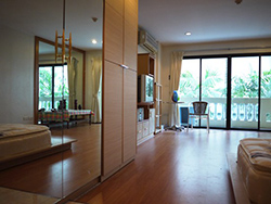 1 bedroom flat for rent near Lumpini Park View